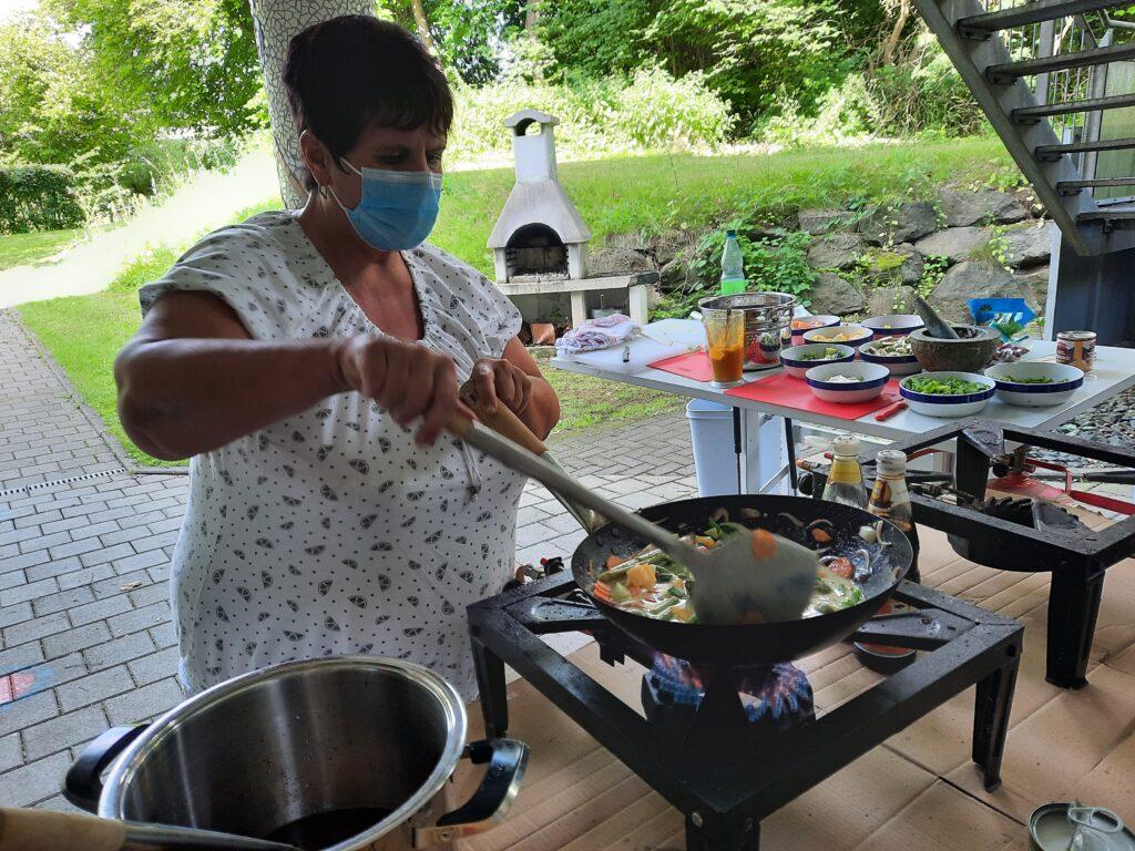FeelGood Thai Kochen Zubereitung Wok