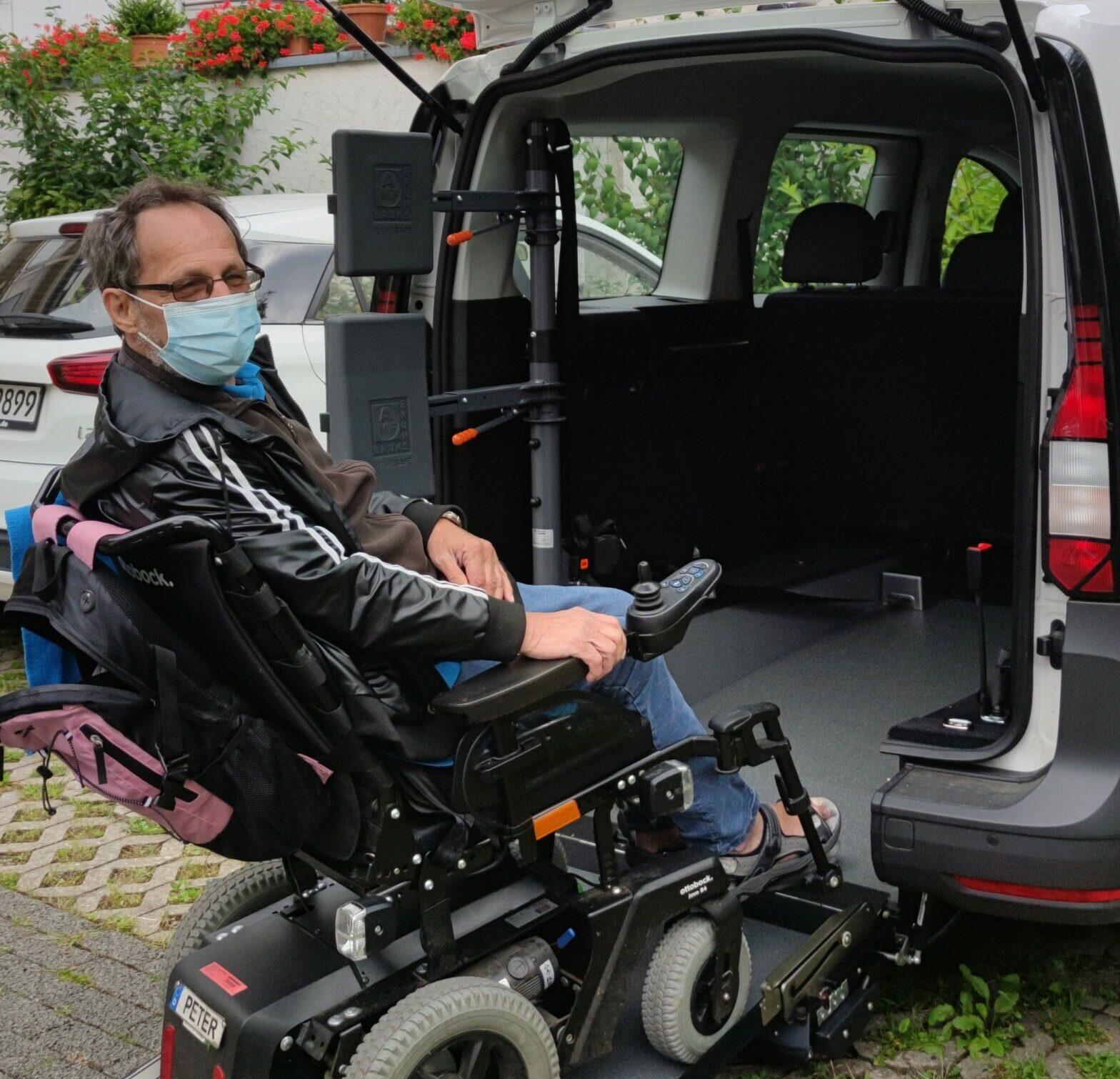Peter nutzt den neuen VW Caddy.